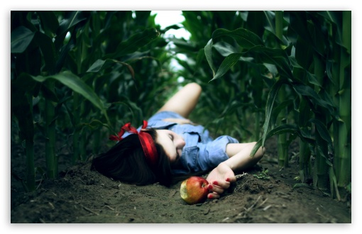 snow_white_and_the_poison_apple-t2