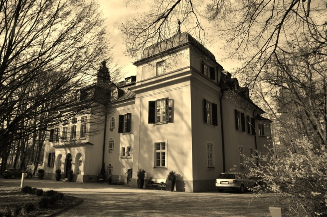 von-trapp-house-1-copy